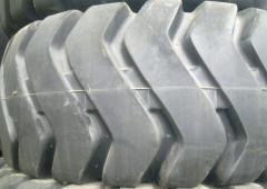 Los neumáticos para la técnica especial y la