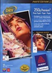 Фотобумага для струйных принтеров Avery Premium глянцевая, А4 250 гр/м.кв 12 листов , код 2555