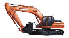 La excavadora Doosan DX340LC de oruga