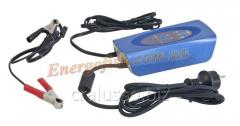 E-sential DHC 12V, 5A charger.
