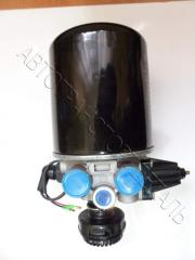 Air dehumidifier single-chamber with the pressure