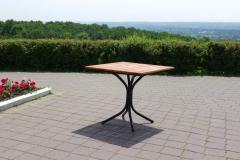 Tables en bois naturel