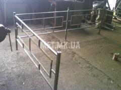Ограда для клумбы металлическая