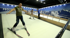 Climb-downs for indoor skiing