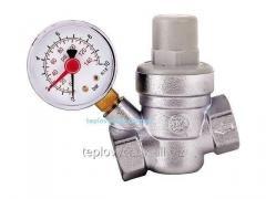 Редуктор давления воды с манометром D3/4
