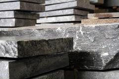 Tile granite calibrated for facing of walls,