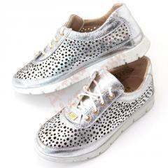 Туфли для девочки на шнурках