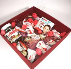 Бордовая коробка стандарт с натуральным 100% наполнителем и декором
