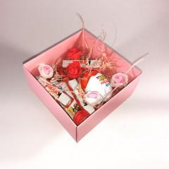 Розовая коробочка мини с натуральным 100% наполнителем и декором