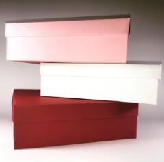 Коробки розовая, белая, бордовая