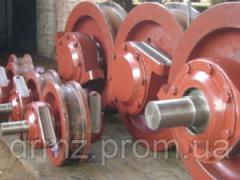 Axle boxes of wheels for the crane