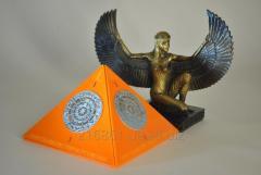 """Pyramid """"MA Dome"""" of Orange +"""