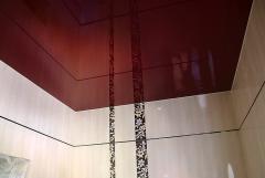 Глянцевые натяжные потолки для ванной комнаты