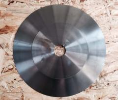 Circular saw for fabric cutting