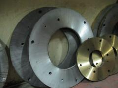 Disk knives for crushers