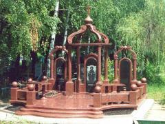 Memorial complexes, crosses, fencings from granite