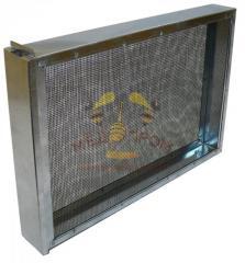 Ізолятори для бджолиних маток