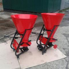 Spreader of the Thorn of 100 L fertilizers under