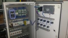 Шкаф управления дозаторами и фасовочным процессом.