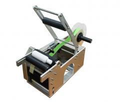 Полу-автоматическая этикетировочная машина