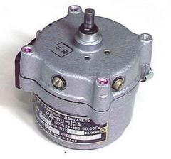 Двигатель реверсивный РД-0,9 8,7 об/мин