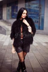Short short fur coat from a black lama of Babe