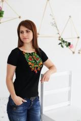 Вишита жіноча футболка Старовинний орнамент...
