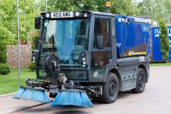 Shcmidt Swingo 200 sweeper-collector
