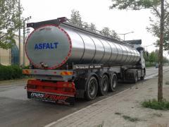 Tanker truck under fuel oil/bitumen/asphal
