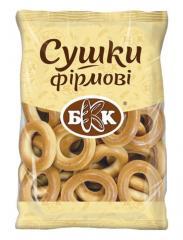 Especialidades de secagem. Embalagem - 300 g Feito a partir de massa de trigo doce. Ele não contém gorduras animais. De acordo com GOST.
