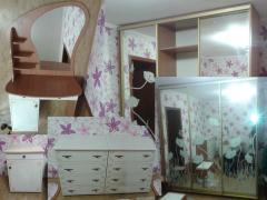 Sliding wardrobe with mirrors