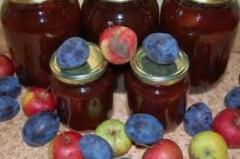Яблоки, сливы