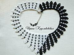 In and Yen necklace P 056
