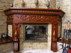 Декоративная панель для камина из дерева с резьбой