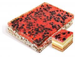 """Bolo """"Lesnaya Polyana"""" esponja embebida em calda com recheio de cereja, creme e creme de baunilha """"Prest vanilla"""", decorado com frutas congeladas: mirtilos, groselhas, groselhas. Peso: 2 kg. GOST."""