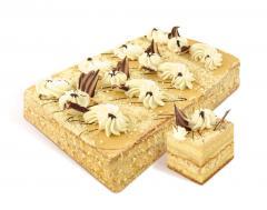 """Koláč """"Svetlana"""" sušenka ze vzduchu matice koláče, smetany pokryty. Dort zdobený másla, smetany a čokolády dekorace. Hmotnost: 1 kg, 2 kg. GOST."""
