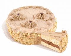 """עוגת """"Mulatka"""" ביסקוויט של קרם עוגות אוויר-אגוז, חמאה מצופה בתוספת ציפוי קונדיטוריה, פני השטח לרוחב מכוסה בוטנים קלויים. משקל: 0.5; 1.0 ק""""ג."""