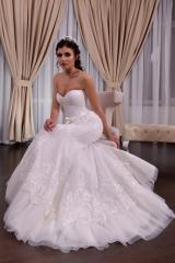 Wedding dress, model 613 SALE