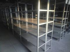 Racks for a warehouse (half-internal)