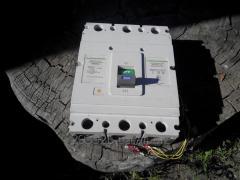 Выключатель АВ3005