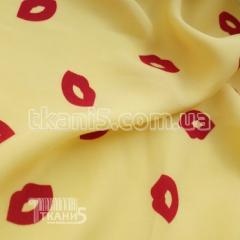 Ткань Штапель губы (на желтом фоне красные)