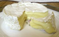 Сыр Камамбер в белой плесени