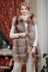 Жилет жилетка из золоченой лисы чернобурки с отстежным подолом  Discolored silver fox fur vest