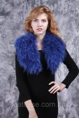 Collar from fur of a lama blue