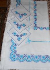 Скатерть с салфетками ручной вышивки Синевир