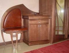 Мебель из натурального дерева, двери, шкафы,