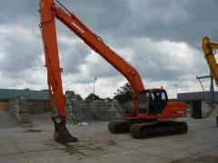 Caterpillar Doosan DX225LC Long Reach excavator.