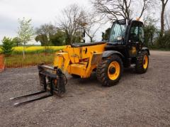Telescopic loader of JCB 535-140.