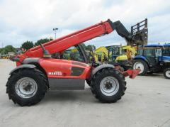Telescopic loader of Manitou MT1030.