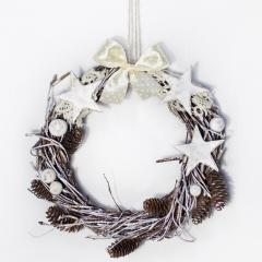 New Year's wreath of OU with stars and a bow